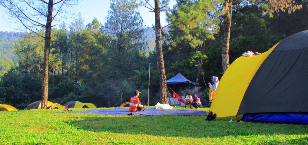 Tempat camp di puncak