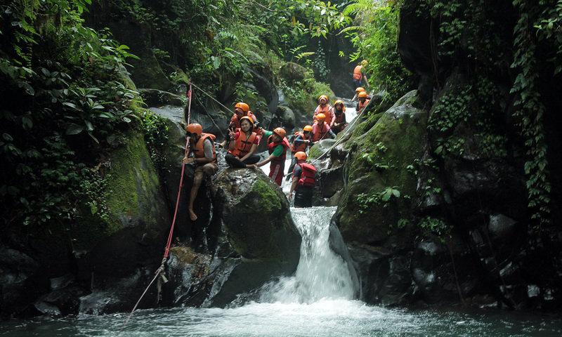 wisata air curug naga