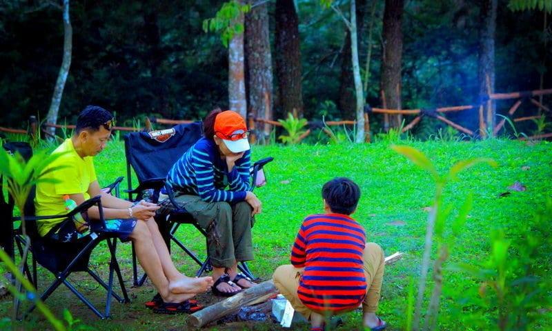 camping keluarga di highand camp