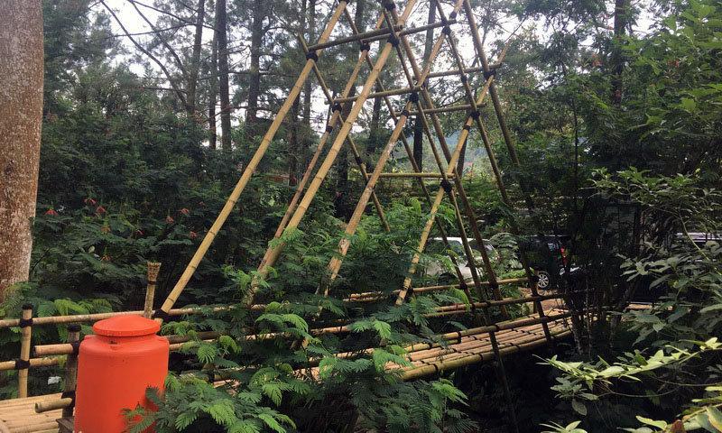 jembatan baduy di highland camp