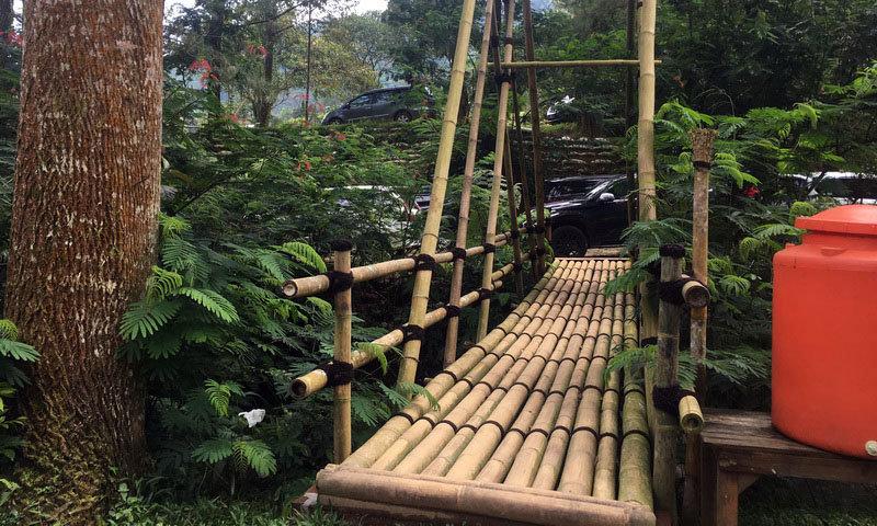 jembatan rawayan di highland camp