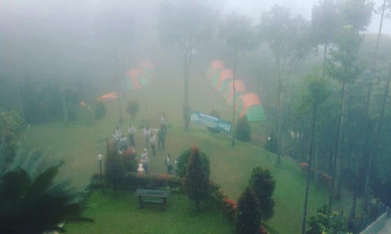 kampung awan camp megamendung