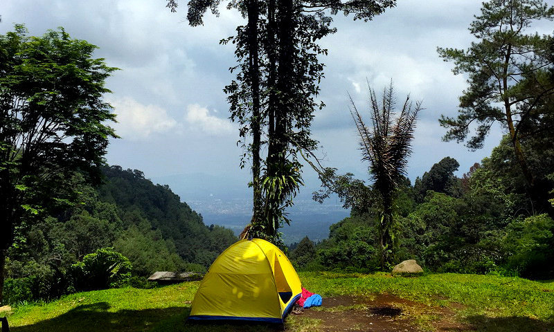 tempat camping di bogor sukamantri