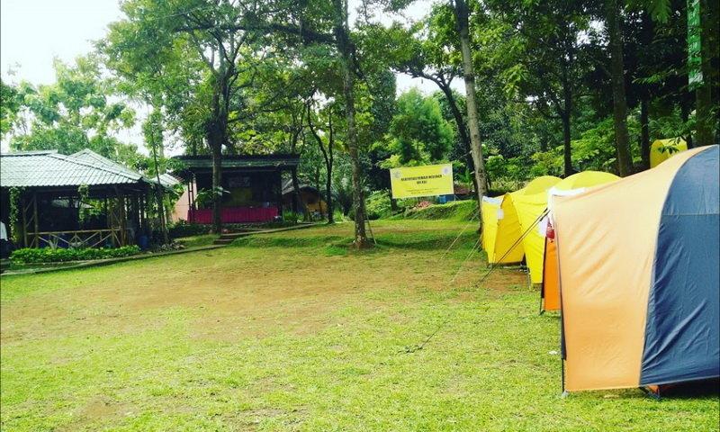 tempat camping di sentul