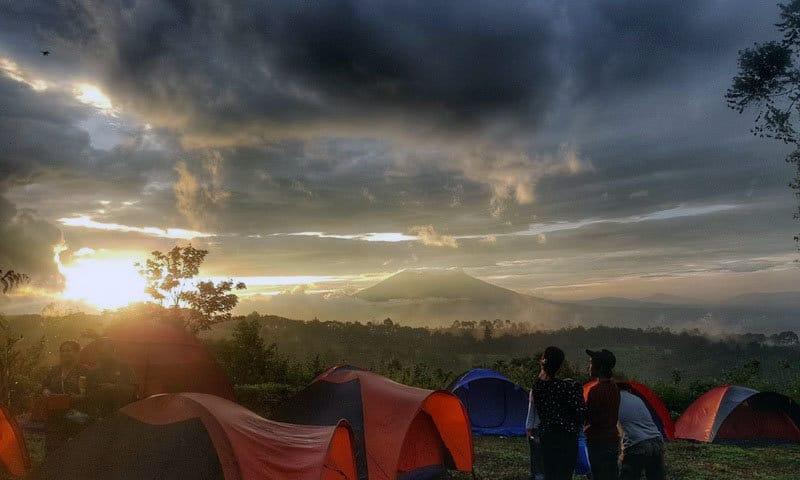 tempat camping di puncak